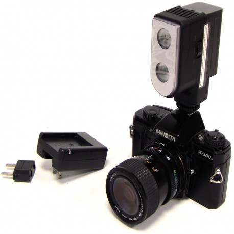 Antorcha profesional 2 LED de 300 lux con batería Sony F550