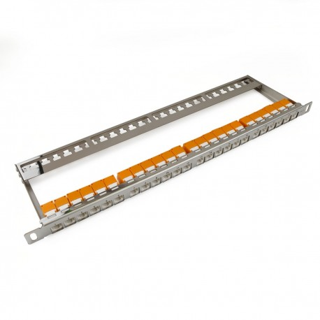 Patch panel 24 RJ45 Cat.6 UTP 0.5U metal con peine para gestión de cables